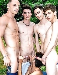 Eager gay lad Matteo Lavigne sucks some creamy...